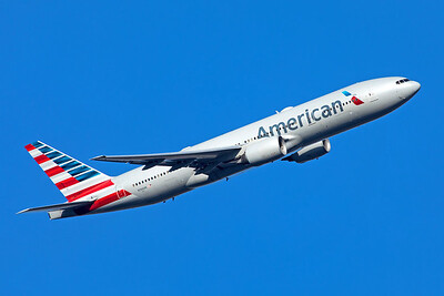 American Airlines Boeing 777-223(ER) N766AN 11-10-19