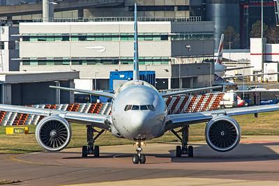 American Airlines Boeing 777-323(ER) N720AN 11-10-19