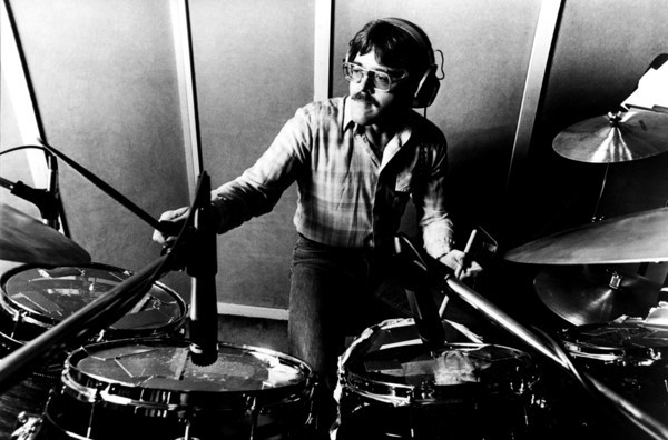 "Roger Hawkins of The Swampers <br /> Roger G Hawkins (born October 16, 1945 in Mishawaka, Indiana, US), is an American drummer best known for playing as part of the studio backing band known as The Muscle Shoals Rhythm Section of Alabama. Hawkins's drumming can be heard on dozens of hit singles, including tracks by Percy Sledge (When a Man Loves a Woman), Aretha Franklin (""Respect, ""I Never Loved A Man"", etc.), Wilson Pickett (Mustang Sally, ""Land of 1,000 Dances""), The Staple Singers, Johnnie Taylor, Cat Stevens, Duane Allman, Joe Cocker, Paul Simon, Bob Seger, Rod Stewart, Bobby ""Blue"" Bland, Traffic and Willie Nelson.<br /> The Muscle Shoals Sound Studio was formed in Muscle Shoals, Alabama, in 1969 when musicians Barry Beckett (keyboards), Roger Hawkins (drums), Jimmy Johnson (guitar) and David Hood (bass) (called The Swampers) left FAME Studios to create their own studio. The Muscle Shoals Sound Rhythm Section, as they became known, was the first rhythm section to own its own studio and, eventually, its own publishing and production companies. The distinctive accompaniment and arrangements have been heard on a tremendous number of legendary recordings, including those from Wilson Pickett, Aretha Franklin, and the Staple Singers amongst others. Many artists have recorded hit songs and complete albums at the studio."