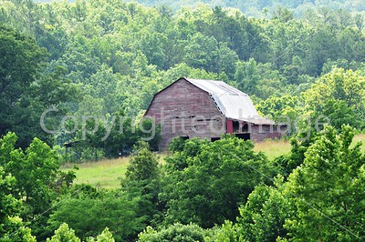 SC023 100 YEAR OLD MISSOURI BARN