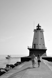 A WALK TO LUDINGTON LIGHTHOUSE