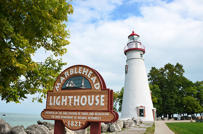 MARBLEHEAD LIGHTHOUSE AND SIGN IN THE SUMMER