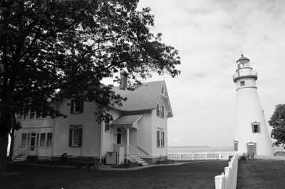 MARBLEHEAD LIGHTHOUSE AND MUSEUM B&W
