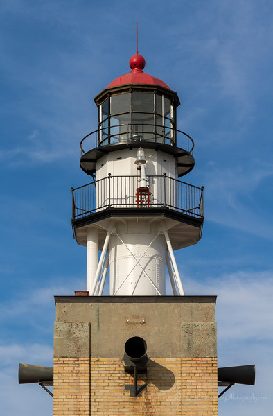 IMAGE: http://www.terryhumphreyphotography.com/LIGHTHOUSES/Great-Lakes-Lighthouses/i-R5X66Sw/1/L/IMG_0046-L.jpg
