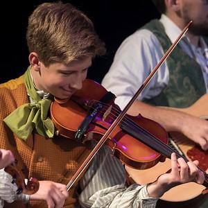 La Troupe Jeunesse de la L'ensemble Folklorique de la Riviere-Rouge