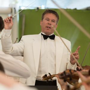 Alexander Mickelthwate, conductor