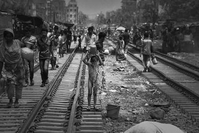LIVE ON THE RAILWAY LINE