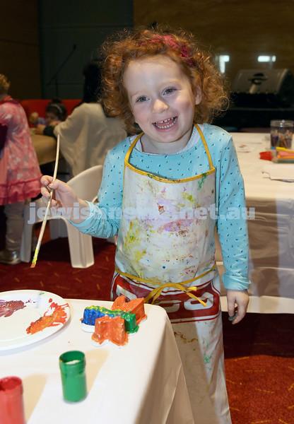 Limmud Oz. Children's arts & crafts session. Ashleigh Kantor.