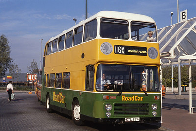 Lincolnshire Road Car 1942 Grimsby Bus Stn Sep 89