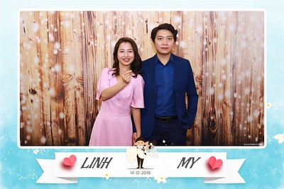 Linh-My-wedding-instant-print-photo-booth-in-Ha-Noi-Chup-anh-in-hnh-lay-ngay-Tiec-cuoi-tai-Ha-noi-WefieBox-photobooth-hanoi-56