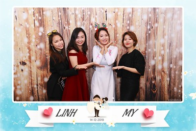 Linh-My-wedding-instant-print-photo-booth-in-Ha-Noi-Chup-anh-in-hnh-lay-ngay-Tiec-cuoi-tai-Ha-noi-WefieBox-photobooth-hanoi-65