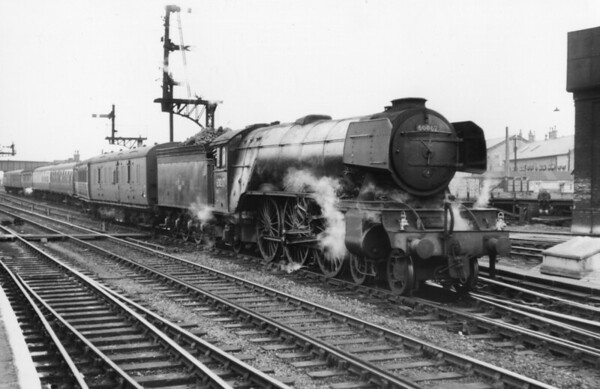 60062 Minoru on up E C S  from Peterborough sidings to station for a KX service 2nd June 1962