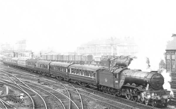60059 Tracery Doncaster & 60157 Great Eastern 1961 to here P