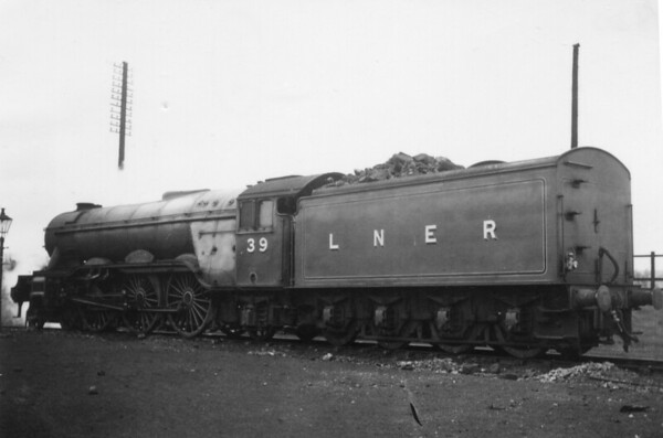 39 Sandwich Grantham Shed 2nd May 1947 Gresley A3