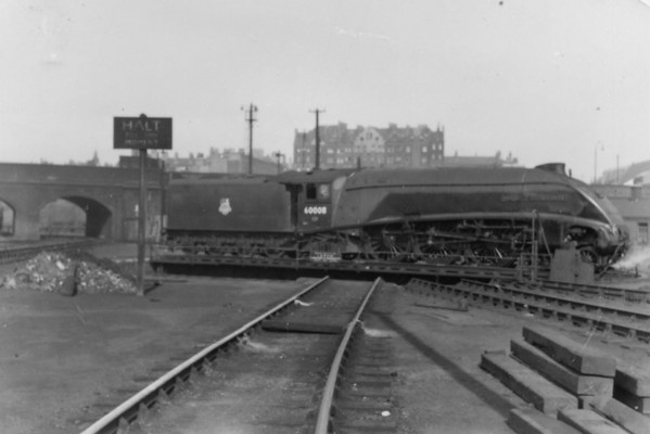 60008 Dwight D Eisenhower Kings cross shed turntable 19th April 1953