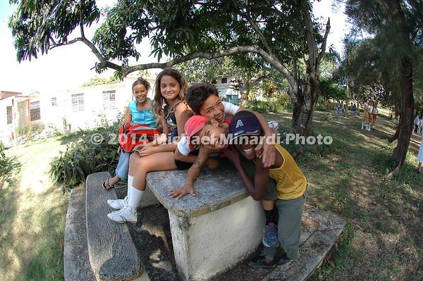EPV2927_24x16_Five_Children_at_Convent