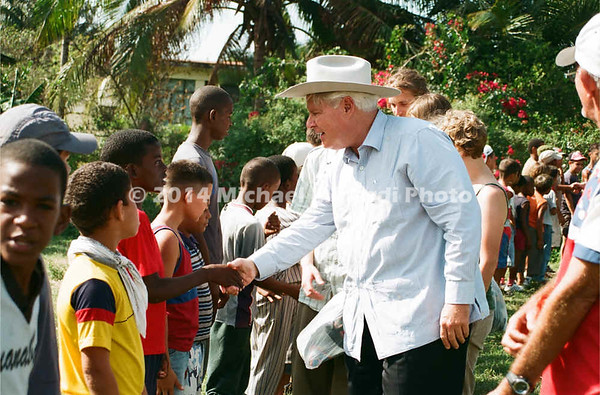 Parke Wright with children 02