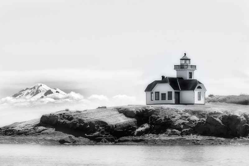Patos Lighthouse w/Mt Baker in back