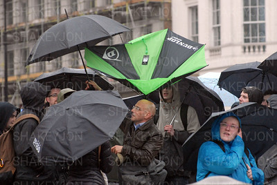 Crowds brave rain to watch The Passion of Jesus in Trafalgar Square.