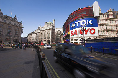 Cabby at Piccadilly Circus London