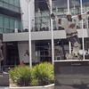 OSCAR DE LA HOYA AND LUC ROBITAILLE - STAPLES CENTER - LOS ANGELES, CA