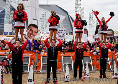 Georgia cheerleaders and fans