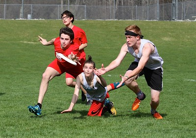 LTS Ultimate Frisbee vs BBA photos by Gary Baker