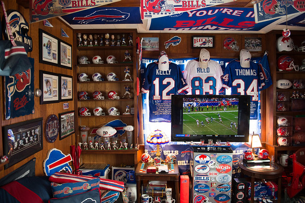 JOED VIERA/STAFF PHOTOGRAPHER-Lockport, NY-Matt Devine's Bills Room.