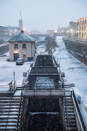 JOED VIERA/STAFF PHOTOGRAPHER-Lockport, NY-Snow falls over the Flight of Five Friday evening.