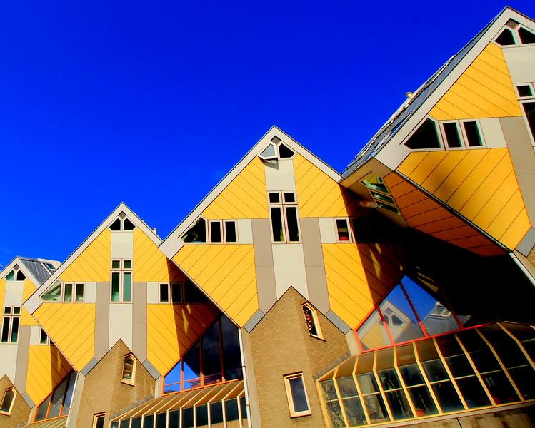 Rotterdam Blaak Cubic Living