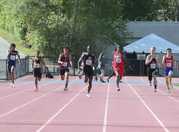 Mens 200 Meter Dash  (Friday)