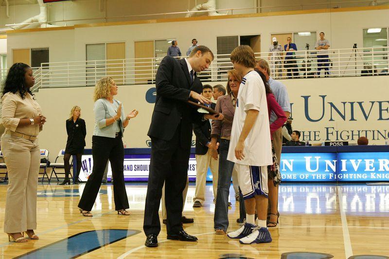 Lynn Univ vs Tampa 2-26-2005 pre-post- 0013