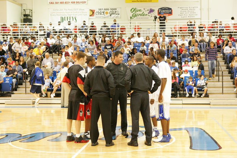 Lynn Univ vs Tampa 2-26-2005 pre-post- 0001