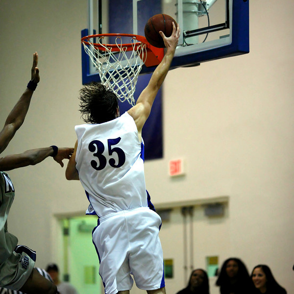 Lynn University Mens Basketball vs Nova -  (601)sq