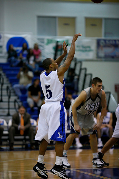 Lynn University Mens Basketball vs Nova -  (621)