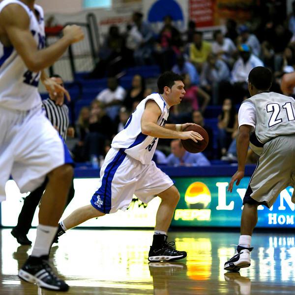Lynn University Mens Basketball vs Nova -  (480)sq