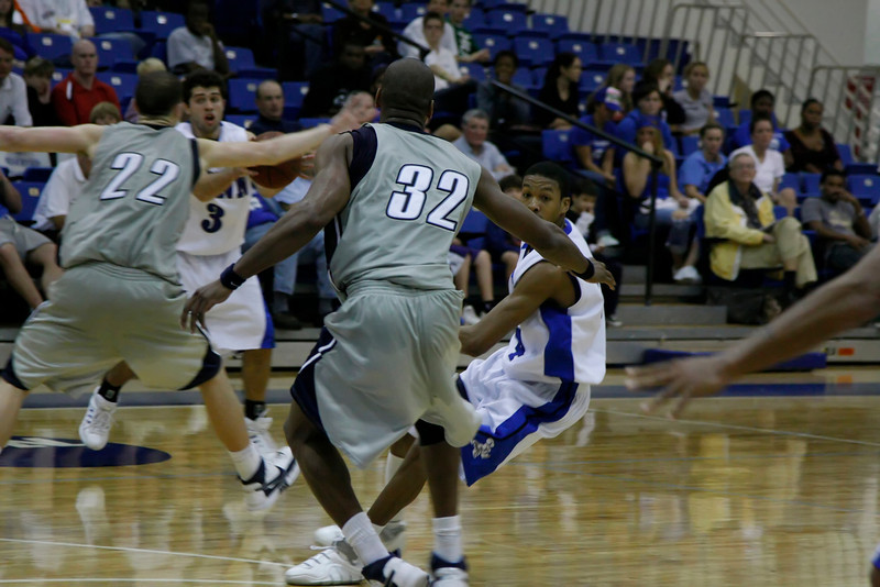 Lynn University Mens Basketball vs Nova -  (650)