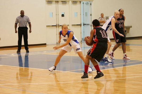 Lynn Univ W vs Tampa 2-26-05- 01567- 0007