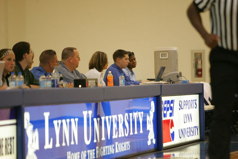 Lynn Univ W vs Tampa 2-26-05- 01567- 0014