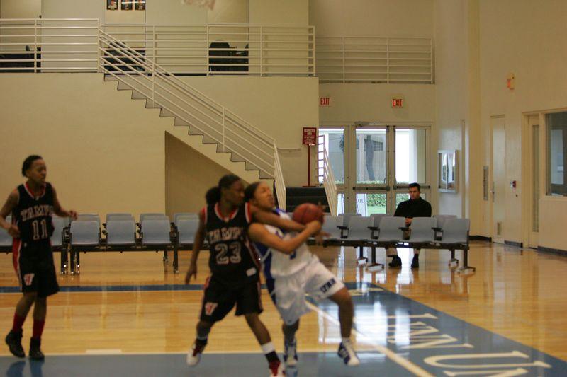 Lynn Univ W vs Tampa 2-26-05- 01567- 0041