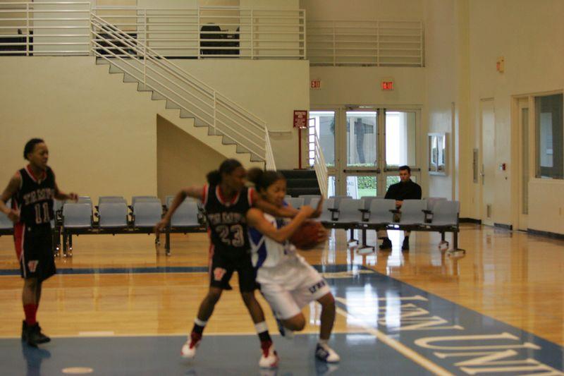 Lynn Univ W vs Tampa 2-26-05- 01567- 0042