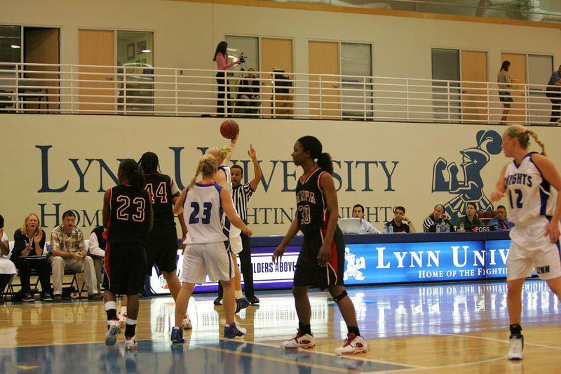 Lynn Univ W vs Tampa 2-26-05- 01567- 0047