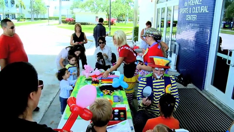 LynnUniv family fun day face painting 164sec clip smug