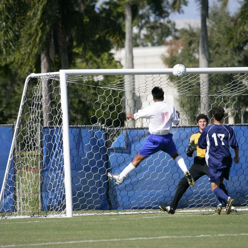 2 Lynn Univ Soccer vs New York Tech 1167