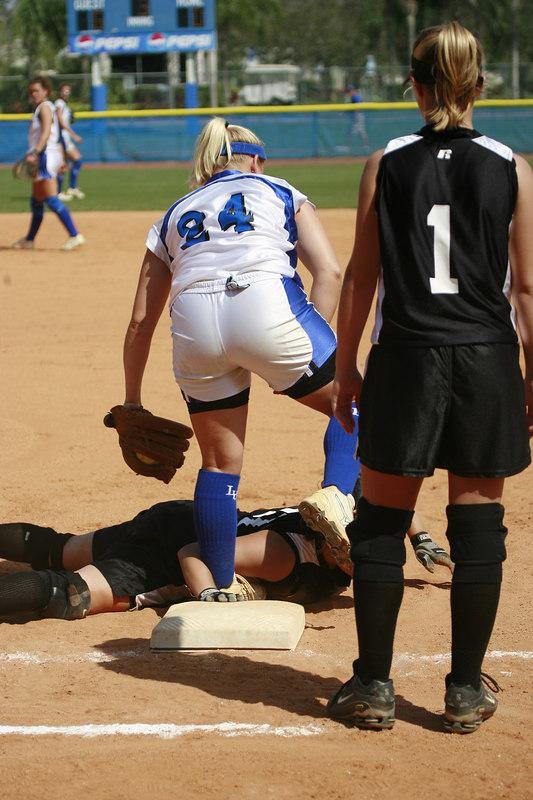 Lynn Univ Softball vs Eckerd - 2111