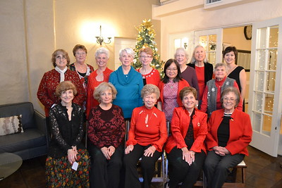 Linda Deacon (seated, from left), Faye Pengra, Nancy Abbott, Judy Snyder and Susan Huntsman. Back: Christine Crahan, Molly Brockmeyer, Melinda Gillman, Mary Mieding, Margaret Kruse, Ming Dickinson, Sue Sheedy, Gale Musker, Yvonne Dickie and Marianne Freeze.