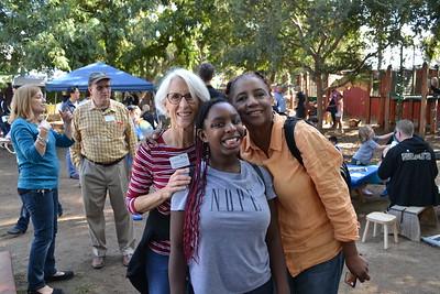 DSC_ Ellen Veselack with Jasmine and Louise Bell 0753