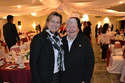 DSC_ Pam Stumbaugh and Sister Carolyn McCormack 2108