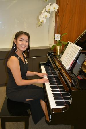 Riana Lui Scholarship recipient and pianist