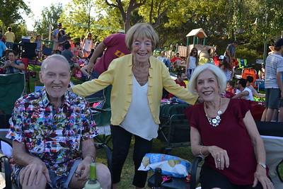 DSC_ Daryal Gant, Pat Hutchins and Mary Gant 1055